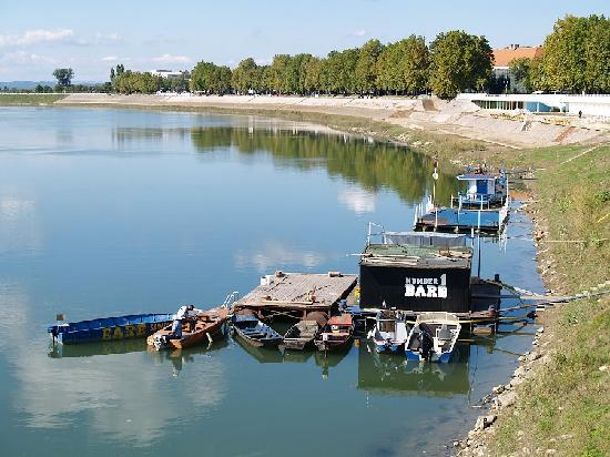 Slavonski Brod, Sava River