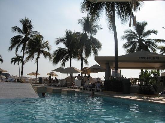 Hotel Fontan Ixtapa: Une des piscines de l'hôtel