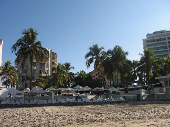 Hotel Fontan Ixtapa: L'hôtel vue de la plage