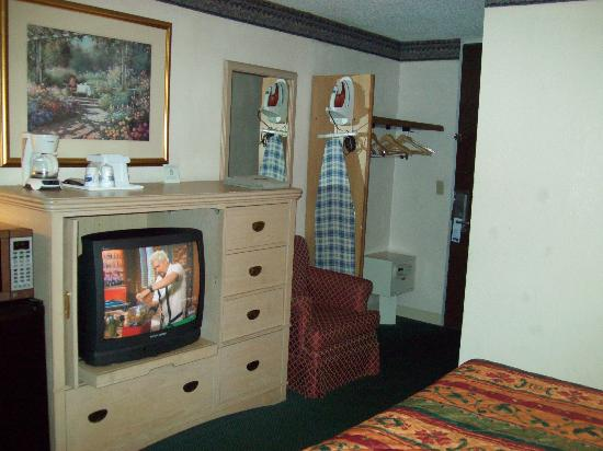 Regency Inn: Ammenities were ok, nice TV