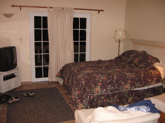 Casa Vista Del Mar Inn: room