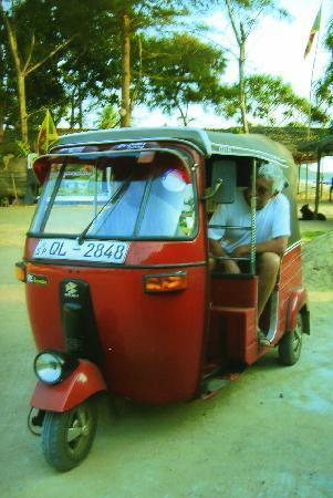 La Maison Nil Manel: taxi local