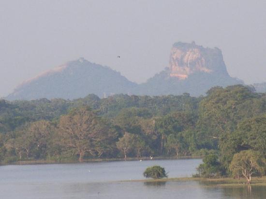 Heritance Kandalama: Sigiriya view from hotel