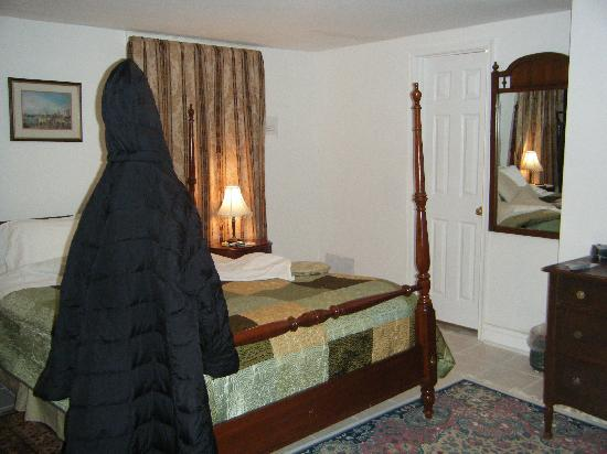 American Guest House: Cozy Large Room