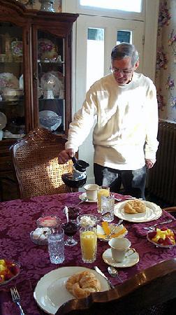 Henry Manor Bed & Breakfast: Breakfast
