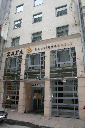 0c90a6d2c5 Boutique Zara Hotel Entrance - Picture of Boutique Hotel Budapest ...