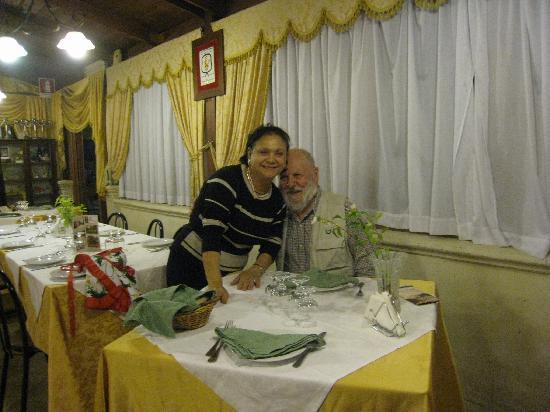 Tenuta Torre Pinta: Bob with our Hostess/chef