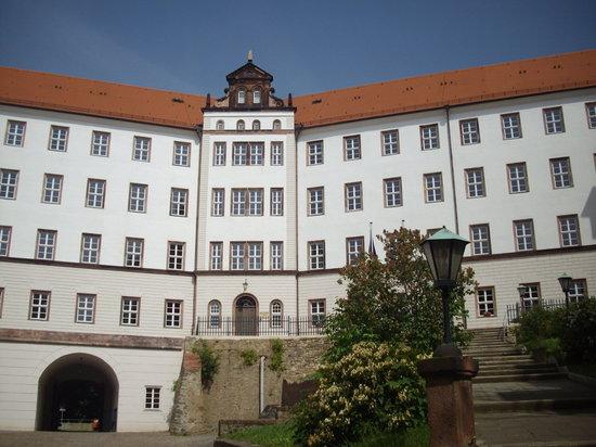 Alte Stadtmauer: Colditz Castle , a smallish walk away, though up hill!!