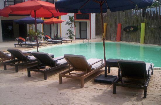 Microtel Inn & Suites by Wyndham Boracay: the pool