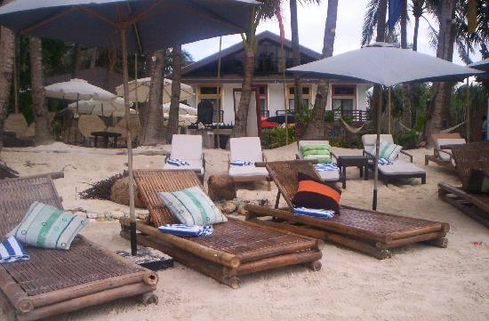 Microtel Inn & Suites by Wyndham Boracay: the beach