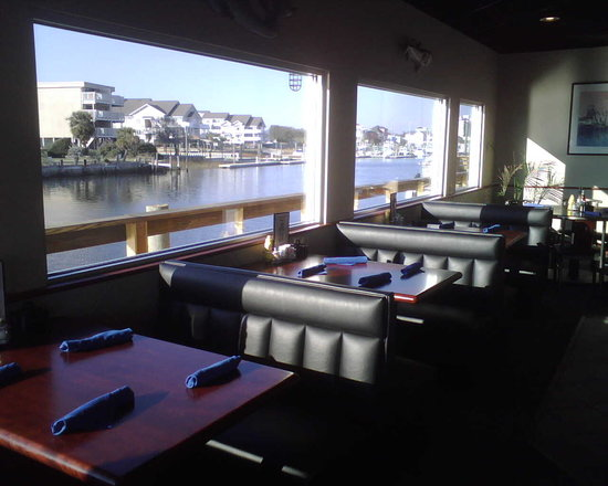 Harbor Masters : Booth Dining with View