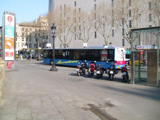 Que Tal: A1 Aerobus at Placa de Catalunya
