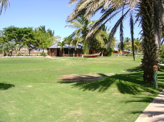 Coche Paradise Hotel Isla Margarita: beaucoup d'espaces verts et de plantations