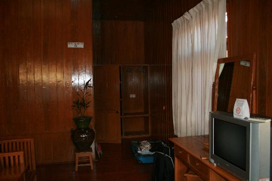 Manaw Thu Kha Hotel: Camera