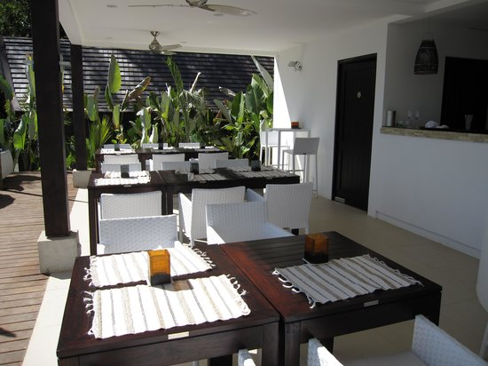 Oxygen Jungle Villas: The Dining Area