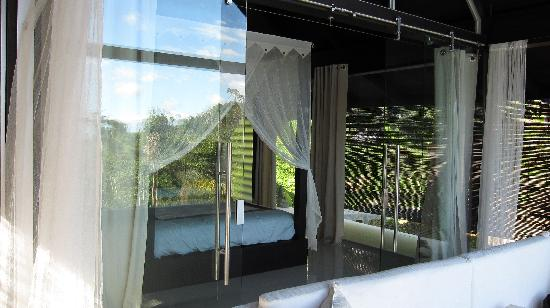 Oxygen Jungle Villas: Looking inside the villa