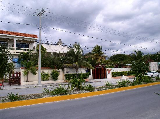 Cabanas Puerto Morelos from the Street