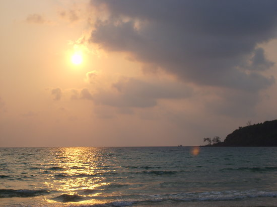 Kambodja: Sunset at Lazy Beach