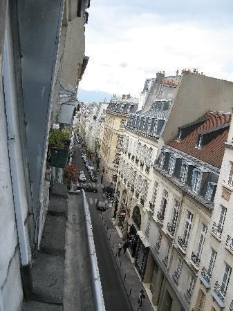 Hotel Le Clos Medicis: View from room 54