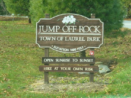 Laurel Park, Carolina del Norte: Entrance to Jump Off Rock