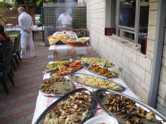 Hotel Arabesco: cena in giardino