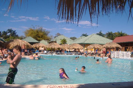 Occidental Caribbean Village Playa Dorada: la picina