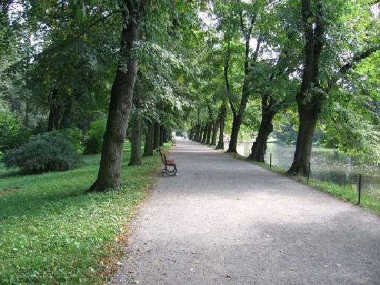 克羅麥里茲花園和城堡照片