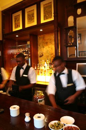 The Royal Hotel: Old colonial bar