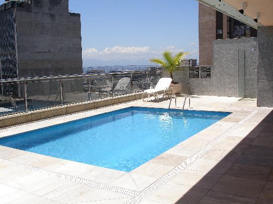 pool auf dem dach bild von windsor ast rias hotel rio de janeiro tripadvisor. Black Bedroom Furniture Sets. Home Design Ideas