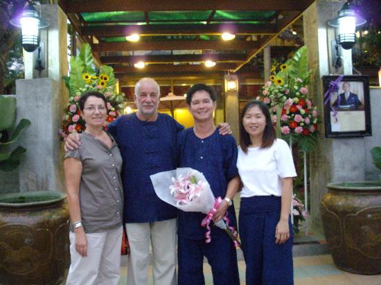 Baan Nattawadee : Nous deux avec Ton et Fong