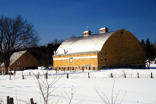 Montebello, Canada: Pretty Old Barn