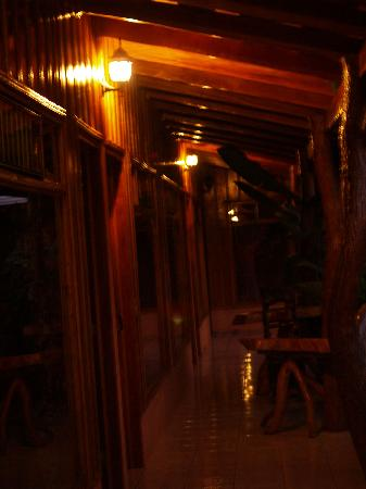 Monteverde Rustic Lodge: Hand built by those who cared about the result