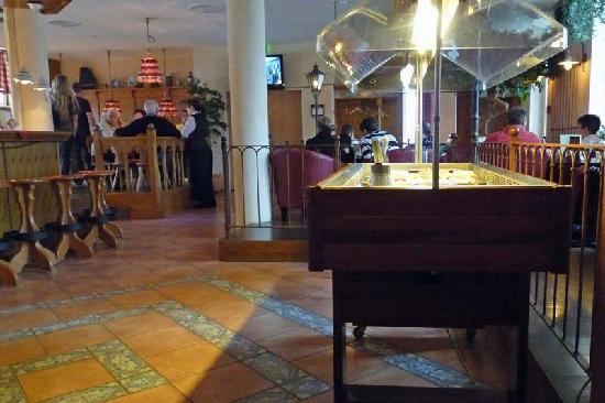 Friedrichroda, Γερμανία: Bar und alternatives Restaurant und Café alles in einem