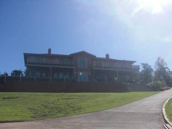 Upcountry Bed and Breakfast: Front of the b&b
