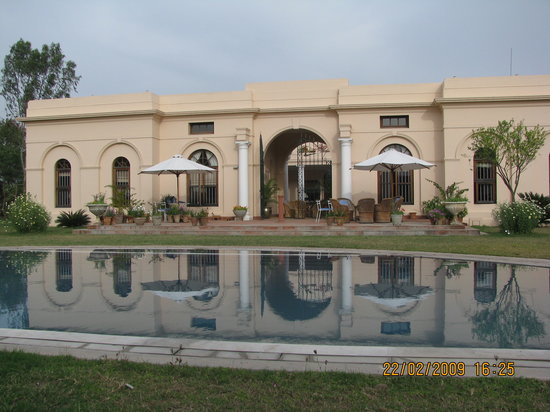 Gurgaon, India: Pool at the back