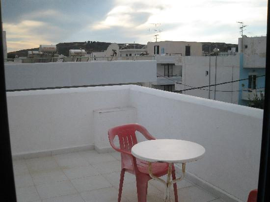 Kalia Apartments: Roof top balcony
