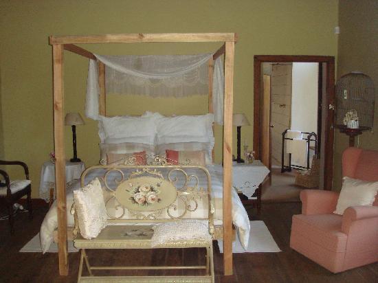 Moolmanshof Bed & Breakfast: another bed room