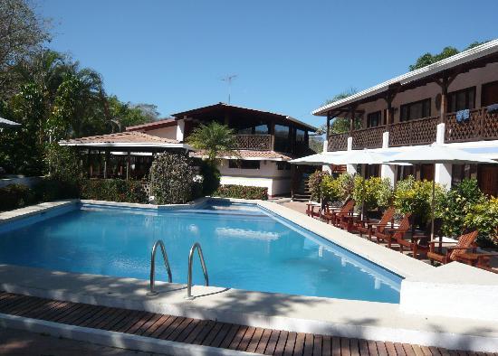 Hotel Samara Pacific Lodge: l'hôtel sous le soleil