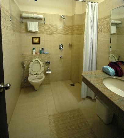 KF Hotel: Bathroom