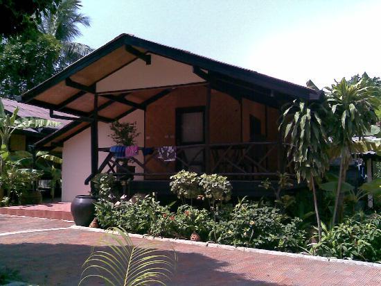 Secret Garden Beach Resort: our bungalow