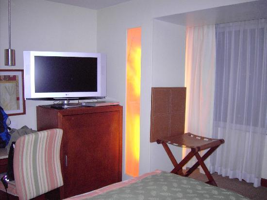 Emporio Reforma: chambre (vue télé)