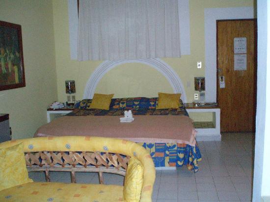 Catalina Beach Resort: View inside room 42