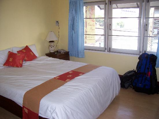 Vanilla Place Guest House: The room is much bigger than this photo can show - is also entranceway, big tv & spacious bathro