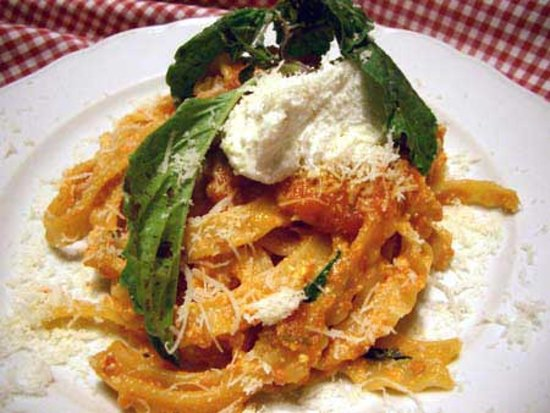 Mami Camilla Cooking School : home pasta with ragu sauce and ricotta