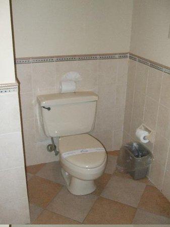 Coral Costa Caribe Resort & Spa: Bathroom