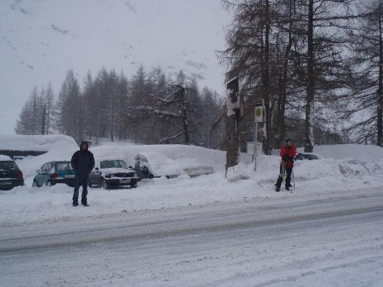 Vitalhotel Muehle: Bus stop to Obergurgl centre