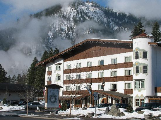 Bavarian Lodge: outside view