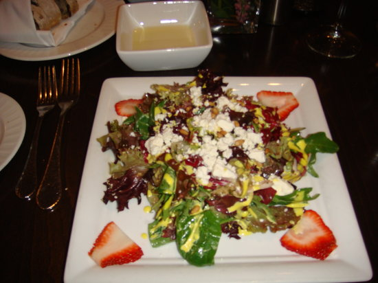 Gamefish: Strawberry and goat cheese salad