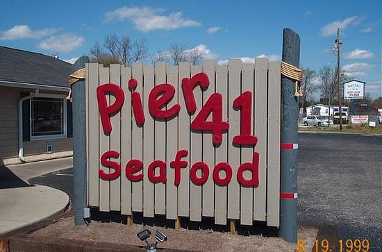 Pier 41 Seafood: the sign