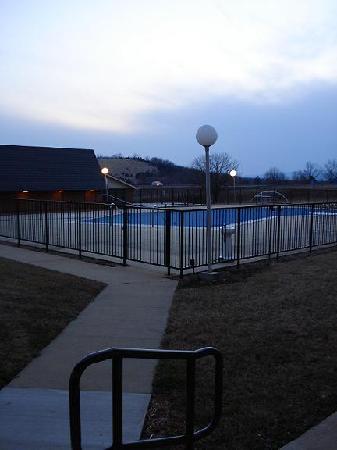 Quality Inn Shenandoah Valley: Pool